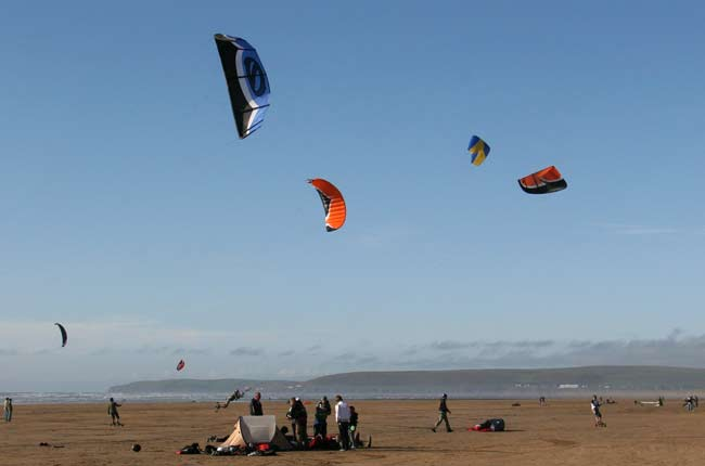 Kiteboarding at Northam Burrows - Nort Devon